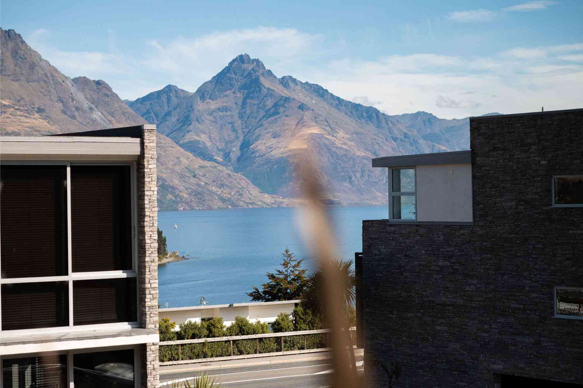 swissbelsuites-queenstown-pounamu-alpine-twobr-(2)