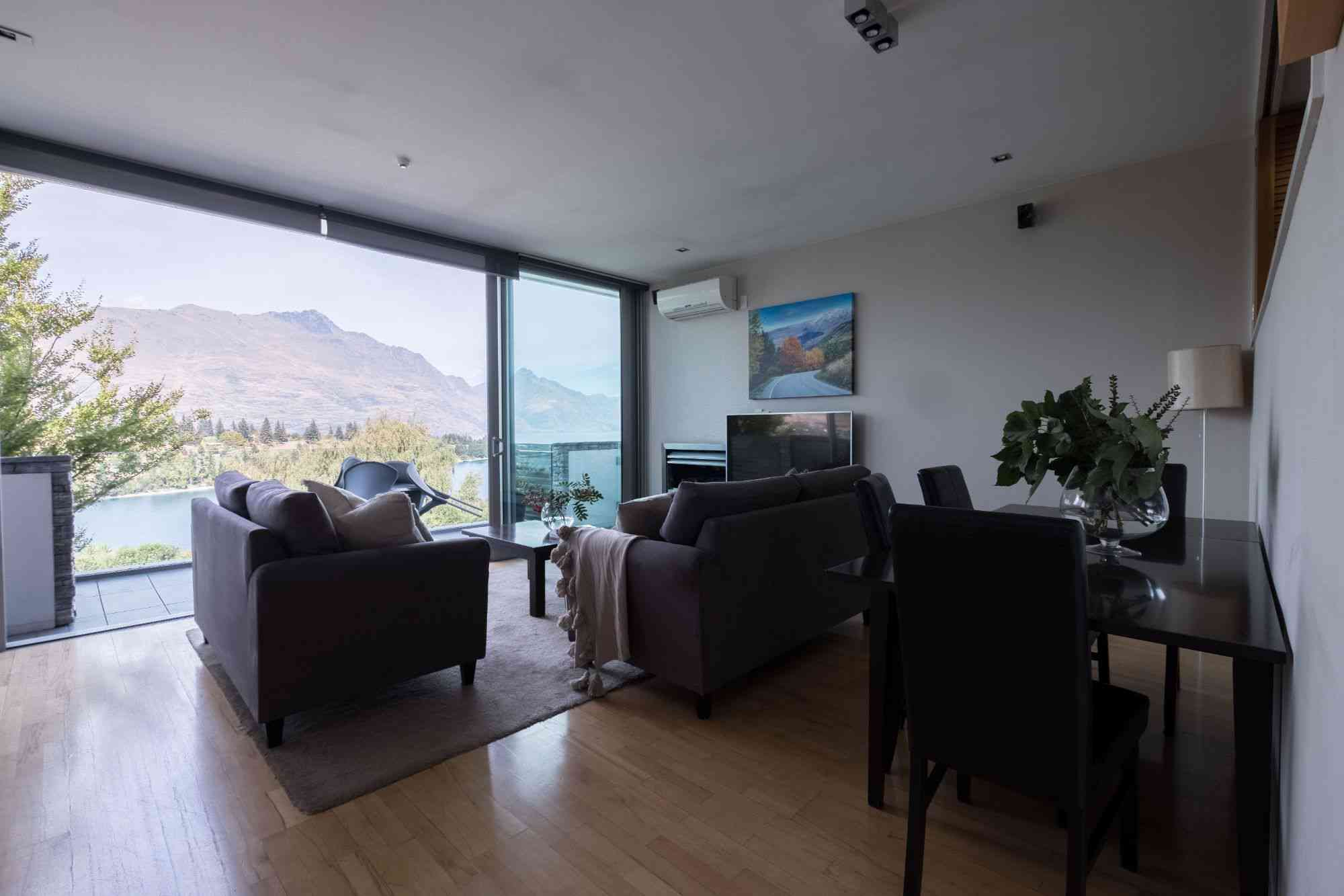 swissbelsuites-queenstown-pounamu-lakeview-supersuite-twobr (9)